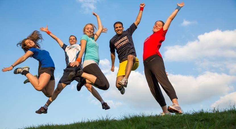 Patarimai, kaip būti fiziškai aktyviems saviizoliacijos / karantino laikotarpiu